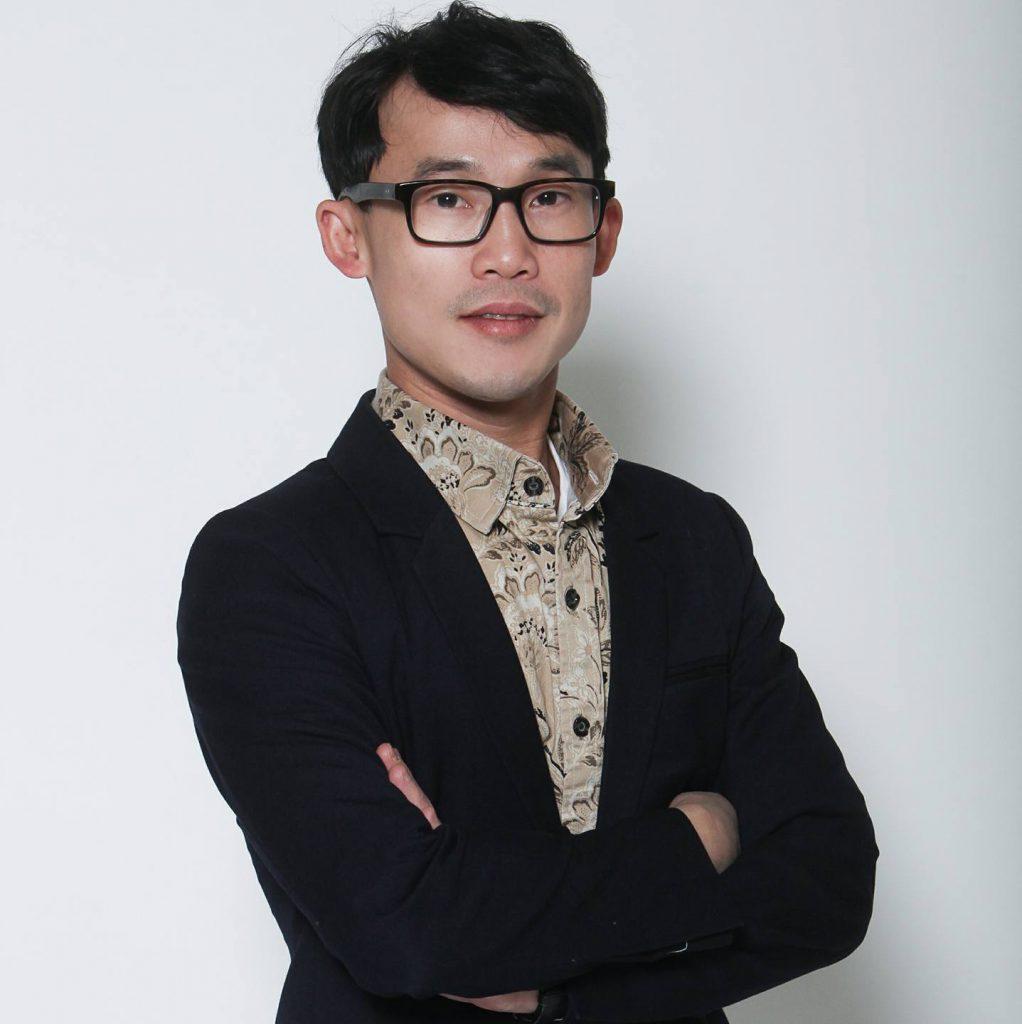 Zakelijke Portretfoto Duc Nguyen, modeontwerper regio Rotterdam